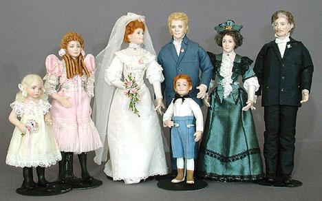 Doreen Sinnett Dollhouse Dolls